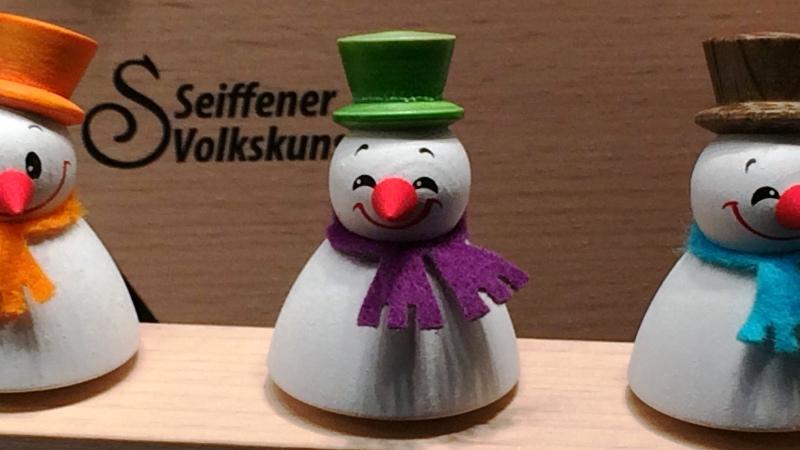 SeiffenerVolkskunst-Wipple-Schneemänner