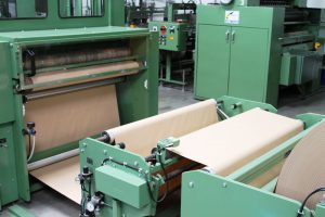 Packpapier-Rollen-Maschine-1
