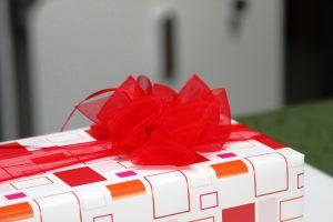 Geschenk-rot-orange