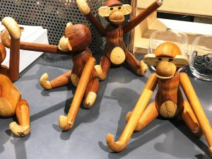 Kay-Bojesen-Monkey-Werkstatt-Ambiente-1