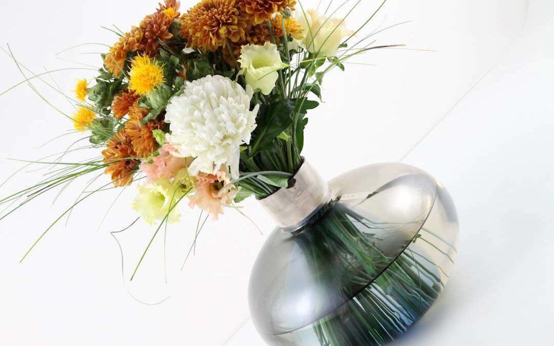 Edle Vase & ein herbstlicher Blumenstrauß